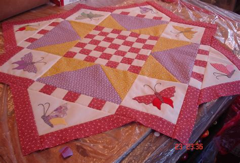Contemporary Quilts And Coverlets by Antique And Contemporary Quilts