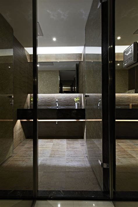 Modern Narrow Bathroom by Bathroom Tiling 8 Great Tips For Choosing The Right Tile