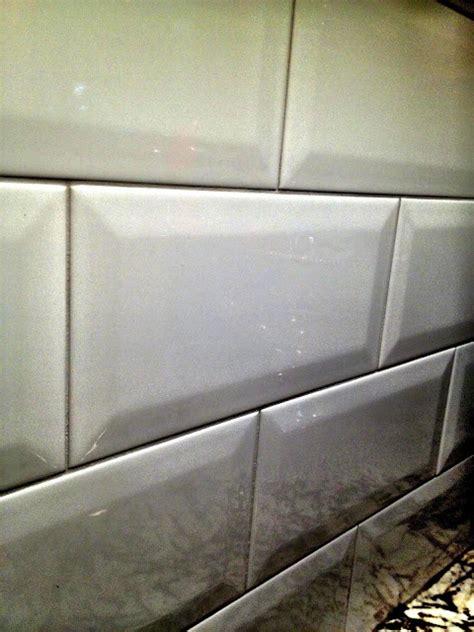 beveled subway tile kitchen 1000 images about kitchen backsplash subway tile on 4617