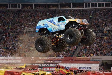 monster truck jam florida hooked monster truck photos jacksonville monster jam 2013