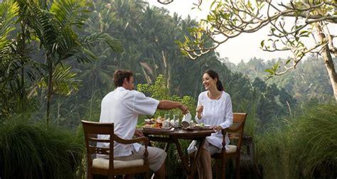tempat honeymoon  indonesia  romantis