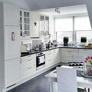 Küche L Form Ikea : wei e k chen mit holzarbeitsplatten wohnkonfetti ~ Yasmunasinghe.com Haus und Dekorationen