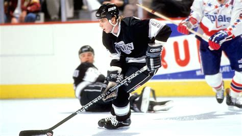 nhl bernie nicholls  los angeles kings star