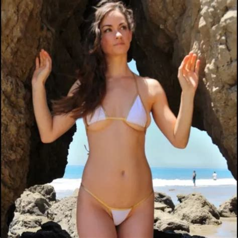 tye sheridan swimsuit tiny bikini images usseek