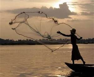 How to Throw a Fishing Net | USA Today