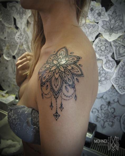 mohndi tattoo ornamental mandala shoulder bruxelles