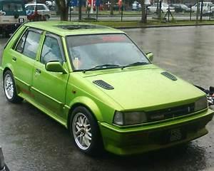 Memilih Mobil Tua Sedan Hatchback  Suzuki Forsa Dan