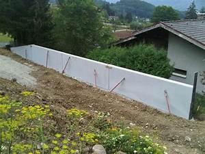 maison mur manteau forte pente bonneville haute savoie With maison en beton banche 2 mlel dank architectes