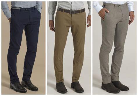 pantalones chinos de hombre una prenda imprescindible