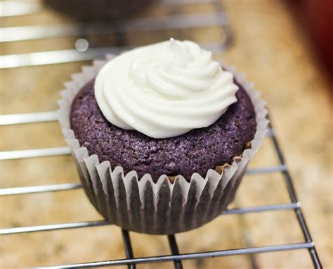 easy ube cupcakes  coconut cream icing amusingmaria