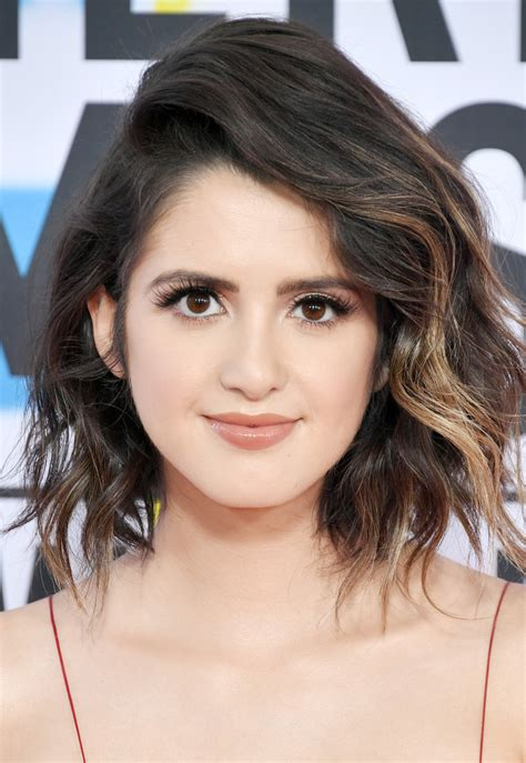 laura marano short wavy cut short hairstyles lookbook stylebistro