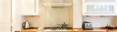 hotte de cuisini 232 re incontournable pour la qualit 233 de l air