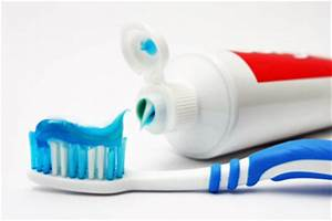 Should everyone use fluoride toothpaste? | HowStuffWorks