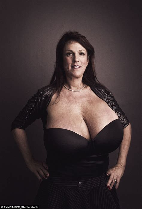 Busty Heart Susan Sykes With Her Size 34m Breasts Visits