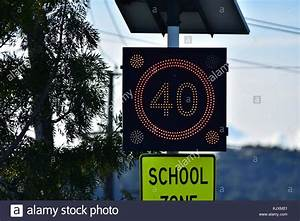 Kilometer Pro Stunde Berechnen : school zone traffic sign stockfotos school zone traffic sign bilder alamy ~ Themetempest.com Abrechnung