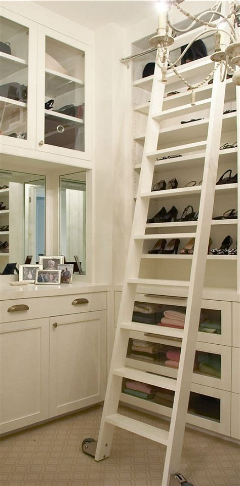 Walk In Closet Library by Best 25 Closet Library Ideas On Reading Nooks