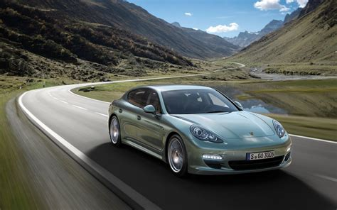 2018 Porsche Panamera Diesel Wallpapers And Images