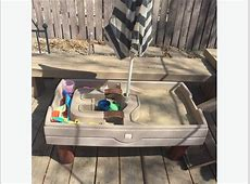 Step 2 sand and water table with cover and umbrella West