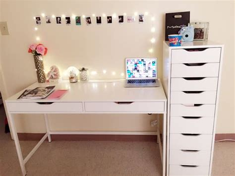 cute desks for bedrooms 13 best images about chambre on pinterest we