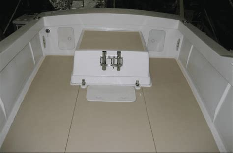 Boat Carpet Pros And Cons by Vinyl Boat Flooring Vs Carpet Boat Direct