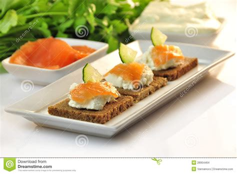 rye bread canapes canapes rye bread with ricotta cheese and smoked salmon