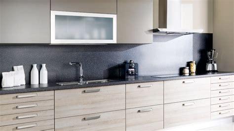 mobalpa cuisine la cuisine moderne est en bois clair