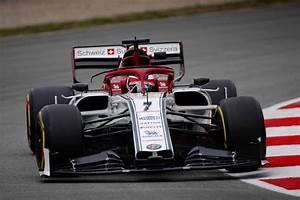 Alfa Romeo F1 : test f1 barcellona raikkonen fa volare l 39 alfa romeo ~ Medecine-chirurgie-esthetiques.com Avis de Voitures