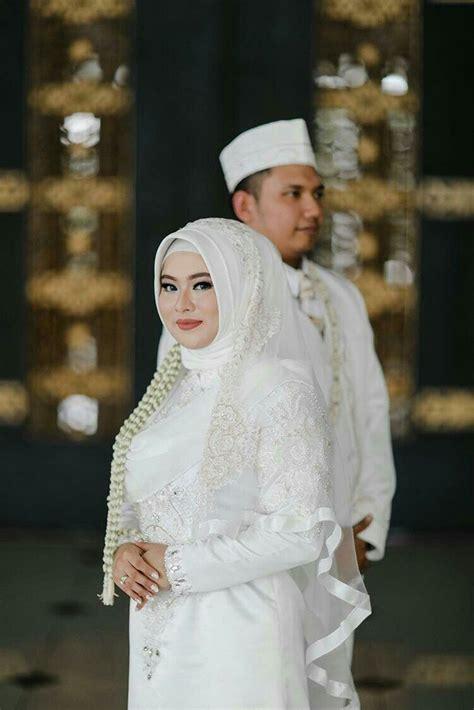 gaun akad nikah grace anjar oleh laksmi kebaya