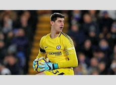 Premier League Courtois se come la cabeza renovar con el