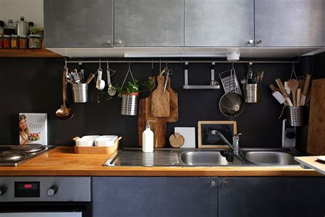 rangement cuisine pratique le rangement mural dans la cuisine maison