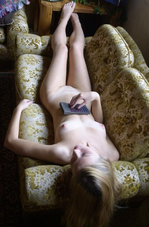 Amateur Teen Blonde Nude At Home Redbust