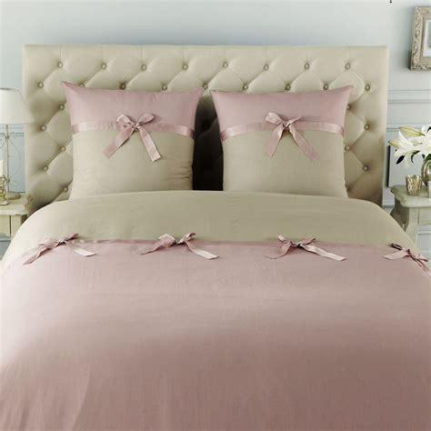 deco chambre romantique beige parure nœud lilas 240x220 maisons du monde
