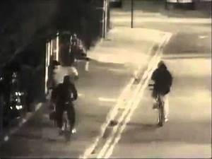 Gang Members Shot at Undercover Police Car London Hackney ...