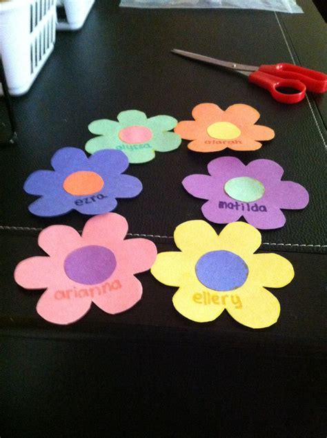 17 best ideas about kindergarten name tags on 981 | dc43d717f16096092e62d0ddc4b7f9fc