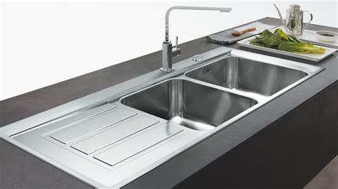 meuble cuisine avec évier intégré évier êtes vous plutôt inox céramique ou matériaux de
