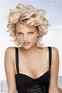Coiffure Cheveux Courts Bouclés : coiffure cheveux volumineux boucl s femme cheveux courts sur ~ Melissatoandfro.com Idées de Décoration