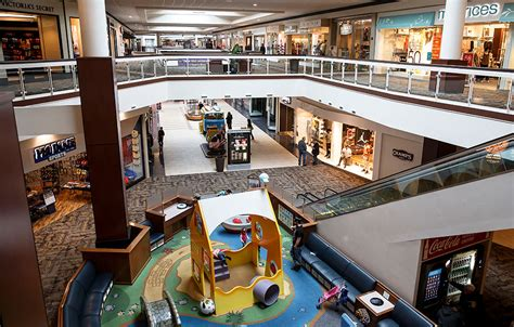 welcome to white oaks mall a shopping center in