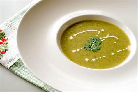 potage aux fanes feuilles de radis recette de soupe aux fanes de radis par chef simon