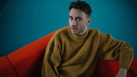 Sechs wochen verbrachte er als kind in einer klinik. Neue Single: Clueso spricht über seine Musik, Glück ...