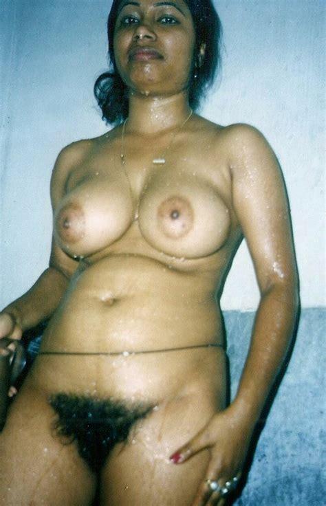 Hot Desi Indian Babes Sexy Boobs Photos