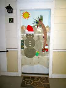 riverland woods holiday door decorating contest