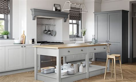 gray kitchens with white cabinets shaker kitchen doors light grey dust grey uform 6910
