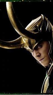 Happy Little Geek: Happy Little How Too - Loki Manicure