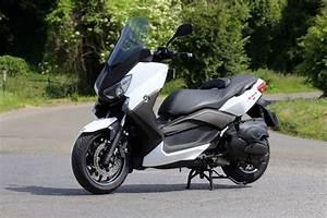 Essai Xmax 300 : essai du maxi scooter yamaha x max 400 l 39 argus ~ Medecine-chirurgie-esthetiques.com Avis de Voitures