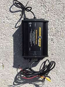 Minn Kota Mk220 Battery Charger - Electronics
