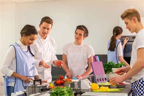 ecole de cuisine montpellier cours de français cours de cuisine pour adolescents