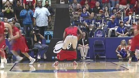 dayton players shorts fall   hes rebounding