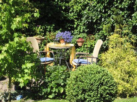 Kleine Sitzecke  Wohnen Und Garten Foto  Garten Sitzecke