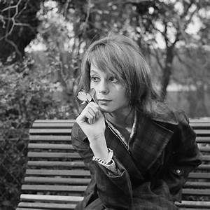 Accident Francoise Dorleac : 1000 images about fran oise dorl ac on pinterest posts 1960s and pictures of ~ Medecine-chirurgie-esthetiques.com Avis de Voitures