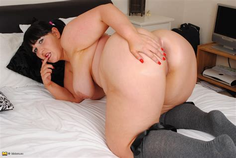 Horny British Big Breasted Mature Slut Having Sex Alone